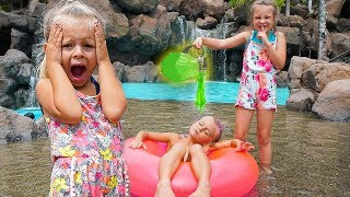 SISTERS SLIME PRANK ON A BOY AT A WATERPARK!