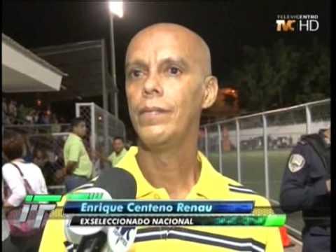 "TVC Fútbol a Fondo-  Todos apoyan al ""estilete"" Renau"
