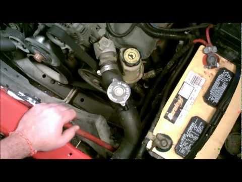 2001 Dodge Dakota 4.7L - Changing the Top Upper Radiator Hose