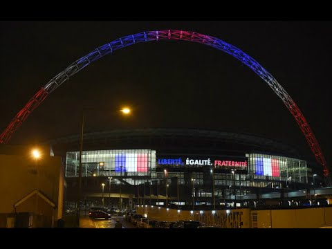England Shows Solidarity With France!
