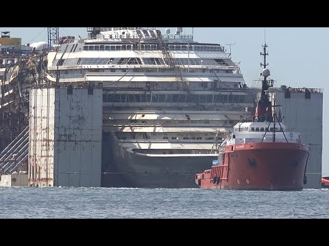 4K Video Experience | Final Voyage COSTA CONCORDIA arriving at Genova in Ultra HD