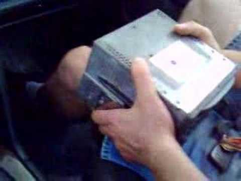 How to change cd player in a volvo s70 v70 c70 850