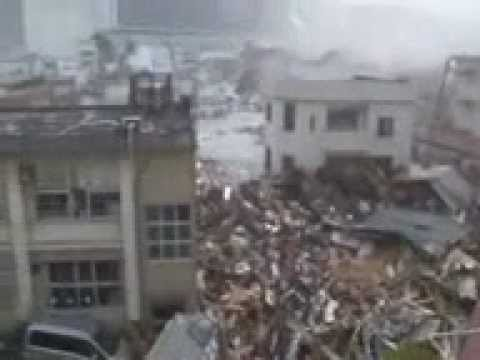 Tsunami jepang 2011 Seseorang melihat pertama X datangnya tsunami