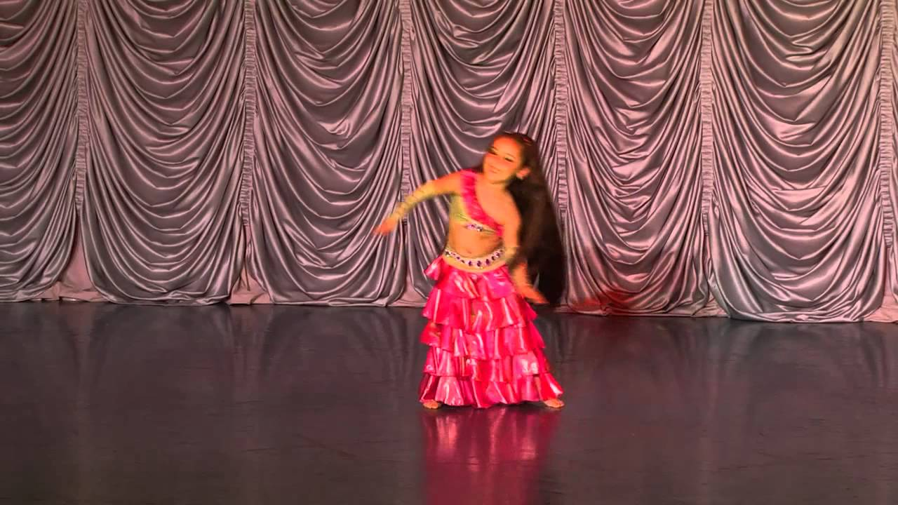 """Детский отчетный концерт студии """"Дива"""" в доме молодежи Атлант 01.06.2014 г. Видео """"Детский танец живота"""" соло."""