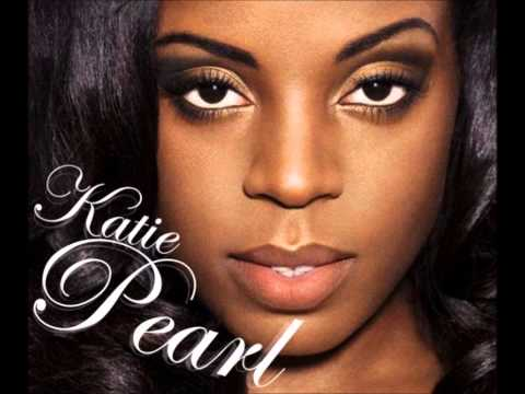 DaVinChe feat Katie Pearl & Kano - Leave Me Alone