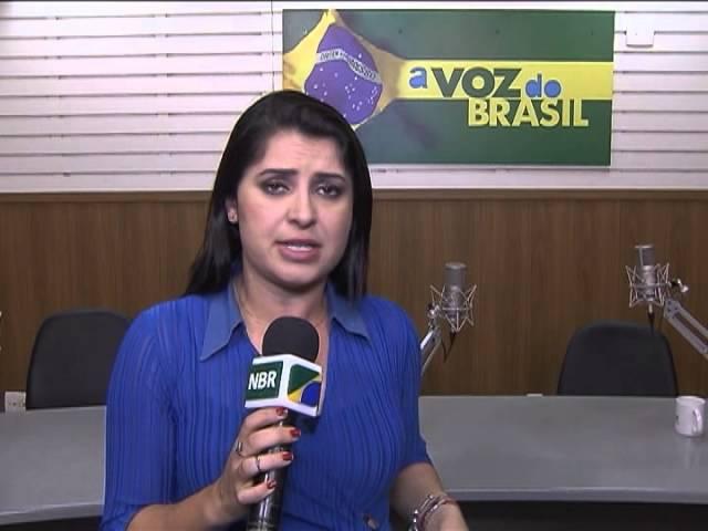 Brasileiros passam mais tempo na internet do que assistindo TV, mostra pesquisa