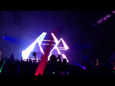 *NEW HARDWELL ID* - New City Gas, Montreal