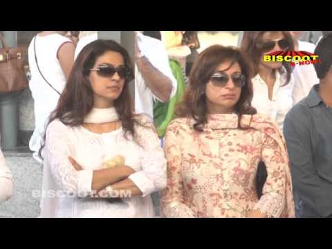 Full Video: Bollywood Stars at Juhi Chawla's brother Bobby Chawla's Funeral