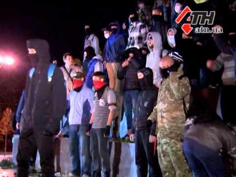 30.09.14 - Идеологические бои у разрушенного монумента