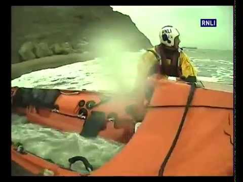 Two people stranded by tide helped by Whitby lifeboat