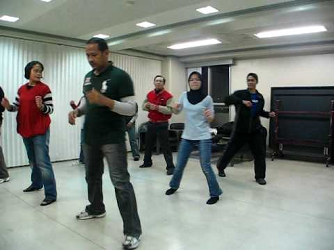 Latihan Poco-poco.avi video