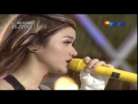 download lagu THE VIRGIN Cinta Terlarang Live At Karna gratis