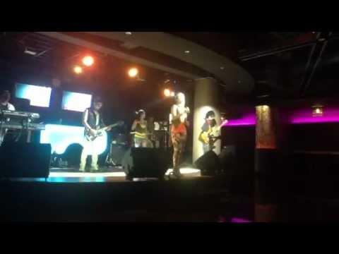 Regina Idol vs Ayu (The Black-id band) - Someone Like You,