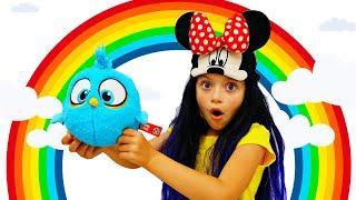 Вероничка и дети всего мира делятся игрушками и играют вместе  Let's Play Together song