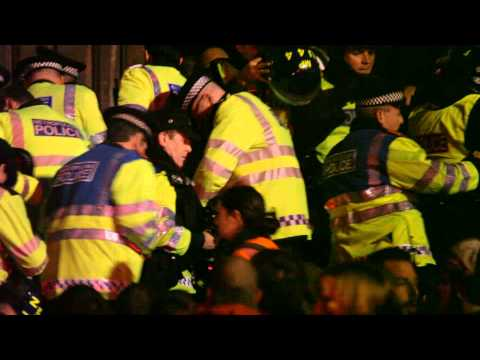Police Storming the Steps: Occupy LSX (P.1 of 3)