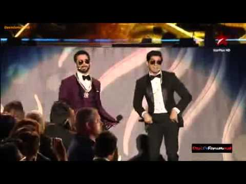 Shahid Kapoor And Farhan Akhtar Singing Rap