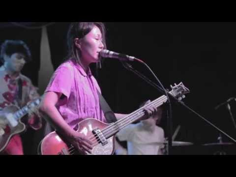 DEERHOOF &quot;Qui Dorm, Nomes Somia&quot; Live @The Pyramid Scheme