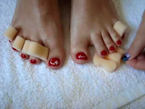 Cómo pintarse las uñas de los pies (rojo) / How to apply nail polish to your toenails (red)