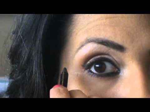 Bollywood Beauty Bipasha Inspired Look- With Thick Eyeliner video