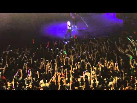 Avril Lavigne canta Complicated em São Paulo 27 de julho 2011