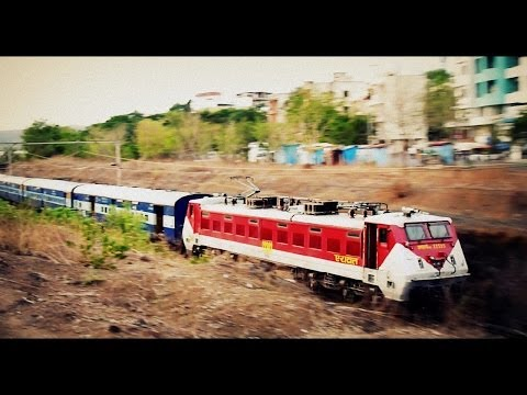 Best Looking Wap-4 Of Indian Railways airawat Visits Pune For The First Time! video