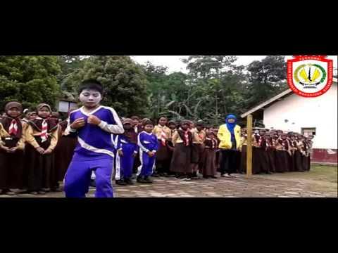Bhakti Sosial SDN 1 & SMP Satu Atap Silurah 2015 FORKOMBI