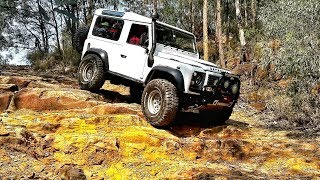 Land Rover Defender 90 on 35 inch Tyres