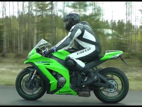 Kawasaki ZX-10R Ninja vs Corvette Z06 with Akrapovic exhaust
