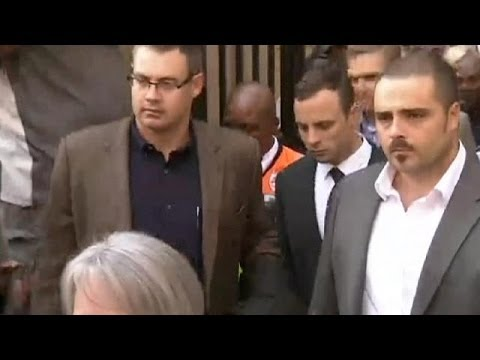 Pistorius sobs as he describes shooting girlfriend dead