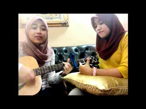 Payphone - Maroon 5 (ainan Tasneem And Tasha Manshahar Cover) video
