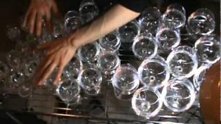 La canción de Harry Potter tocada con vasos de agua
