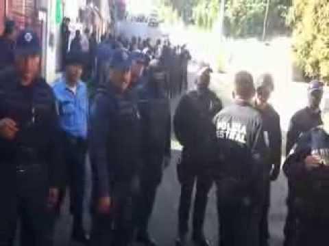 Sacan arma de fuego en intento de desalojo en Amacuzac