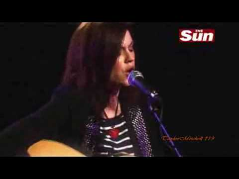 Amy Macdonald - Don't Tell Me That It's Over (acoustic) video