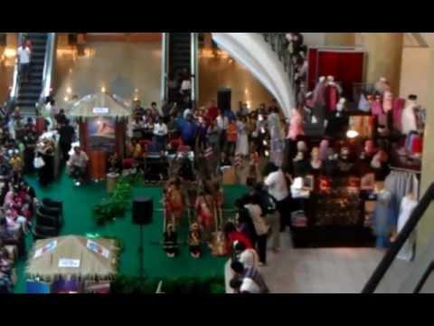 sabah tourism malaysia @ mall gadong.3gp