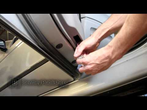 BMW 5 Series (E39) 1997-2003 - Rear door panel - DIY Repair