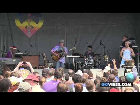 "Steve Kimock & Bernie Worrell perform ""A New Africa"" at Gathering of the Vibes Music Festival 2013"