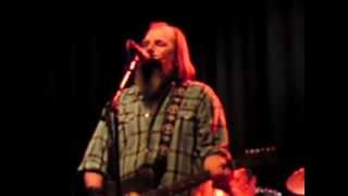 Watch Steve Earle Taneytown video