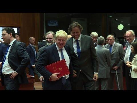 Boris Johnson vows close UK-EU ties on Brussels trip