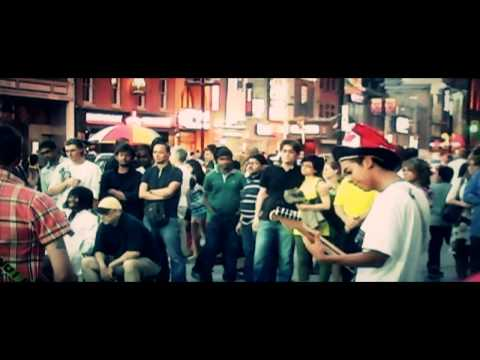 Toronto's Street Musicians in 10% 2D – Canada Day 2011