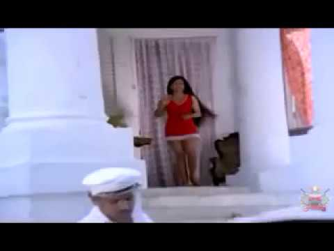 Old Malayalam Actress Showing Sexy Legs in Sarapancharam (1979...