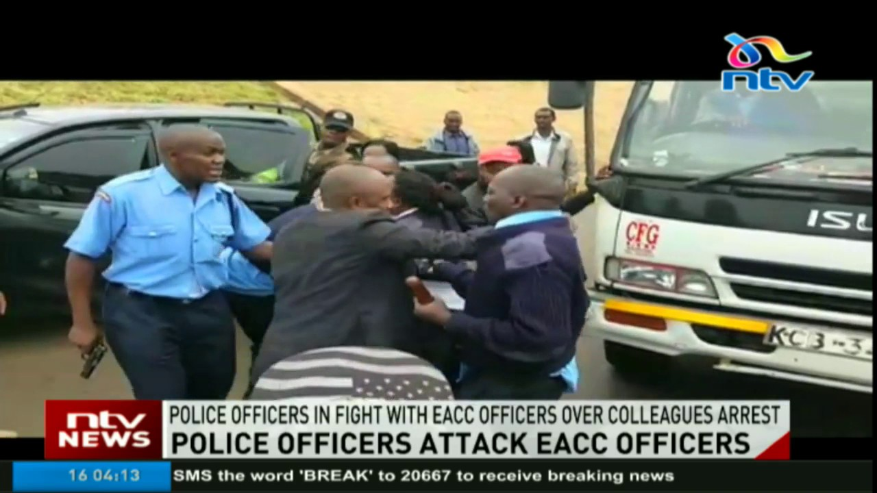 VIDEO: Drama as Cops tussle with EACC officials over bribery arrests