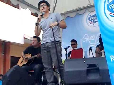 [Fancam] 110225 Dygta - Merindukanmu At SMAN 14 Bandung.flv