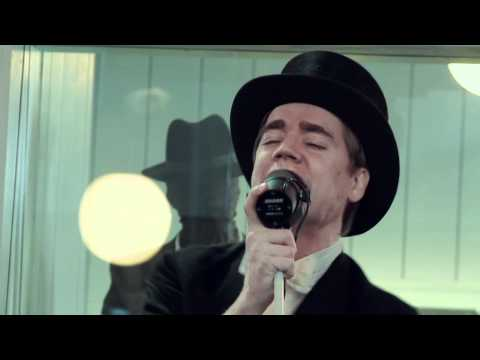 The Hives - &quot;Go Right Ahead&quot; [LIVE BROADCAST FROM RMV]