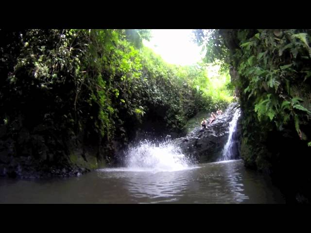 Maunawilli Falls, Oahu Hawaii, cliff jumping - GoPro HD
