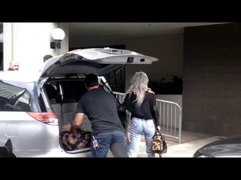 Niall, Lou & Gemma leaving Auckland