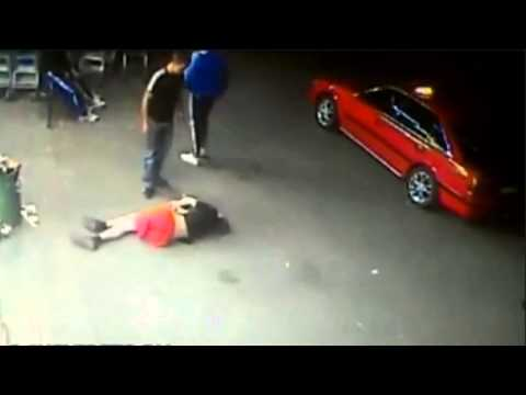 Woman Knocked Out Cold Attacker Gets Knocked Out Cold