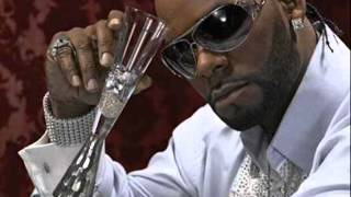 Watch R. Kelly Looking For Love video