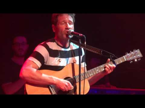 David Duchovny in München 18.05.2016 - Square One (Tom Petty cover)