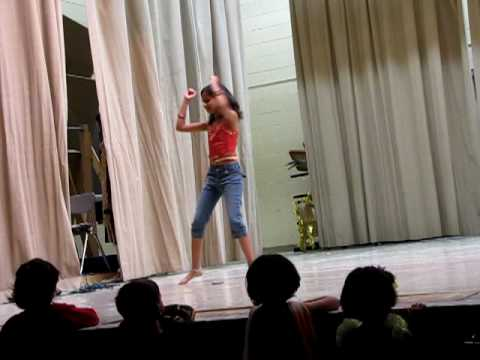 Alisha Dances to a mix of Ghotala and Dajiba songs