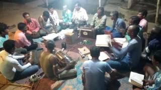 Desi singers sing mati ke chola song
